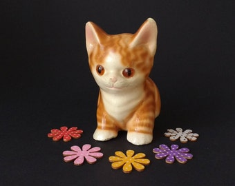 Cute ceramic cat, vintage, has lived life to the full... chips and bits missing, needs a loving home, ginger kitten