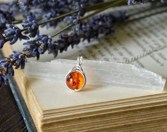 Amber Necklace 925 - Wire Wrapped Pendant - Clears The Mind and Eases Stress - Sterling Silver Amber - The Ivy Bee