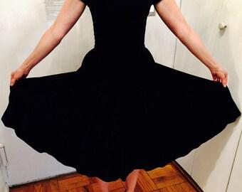Gorgeous black velvet, 1950s dress with full skirt