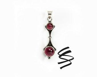 Garnet Pendant Silver Vintage Garnet Necklace Garnet Gemstone Jewelry January Birthstone Red Gemstone Pendant Red Stone Necklace Red Gem