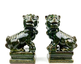 Fine Small Pair Of Chinese Ceramic Painted Guardian Foo Dog Statues Shi