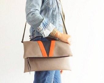 Foldover crossbody bag, vegan leather messenger bag women, gray leather purse, grey clutch bag, handmade leather bag, Italian leather bag