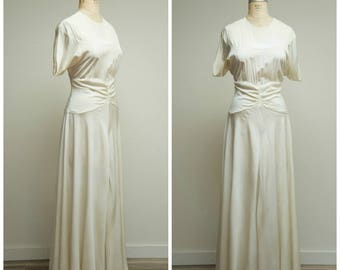 Vintage 1940s Dress • Happiness Begins • Cream Rayon 40s Evening Formal Dress Size Large