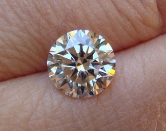 Highest Quality 8.5mm Warm I/J 8-Hearts and Arrows AAA Cubic Zirconia - RARE