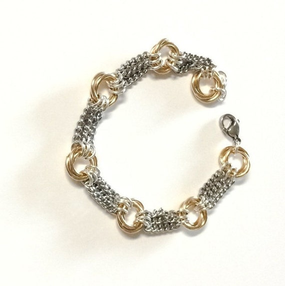 Infinity chainmaille bracelet with stainless steel chain