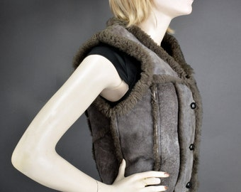 Shearling Sheepskin Vest Made in Canada Size Small Vintage 1970s