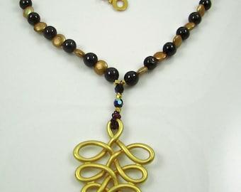 Garnet & Fresh Water Pearl Necklace