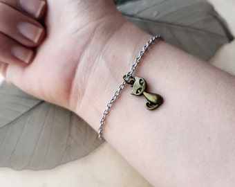 Cat Bracelet, cat lover gift, animal jewelry, cat jewelry, cat charm bracelet, cat lover gift idea, layering bracelet, kitty bracelet