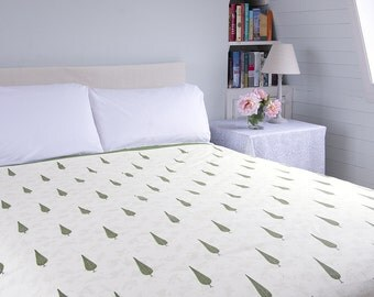 BLOCK PRINTED BEDSPREAD – Small Green Cypress Trees