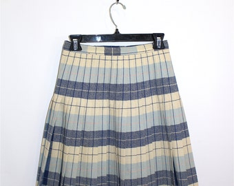 Vintage Clothing • Reversible 1950's Pleated Skirt • Blue and Yellow Plaid • In and Outer • Sportrite Junior