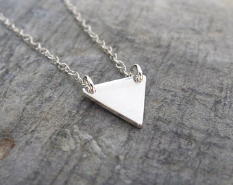 Minimalist Triangle necklace Gemometric necklace Triangle jewelry Simple silver Necklace Delicate Layering Necklace Minimalist jewelry