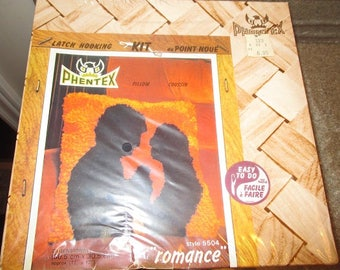 "Vintage PHENTEX Latch HOOKING Pillow Kit - ""ROMANCE""  Style 5504 - Easy To Do - Never Been Opened"