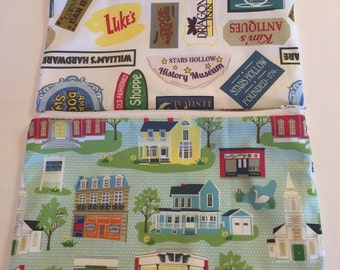 Best seller!!! Gilmore girls inspired/Stars Hollow zipper pouch, make up bag, pencil/pen pouch/ Gilmore fan