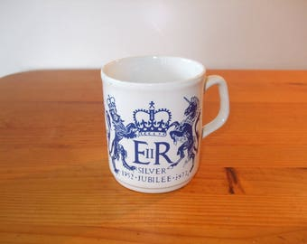 Cartwrights Table Tops 1977 Queen Elizabeth II Silver Jubilee Mug