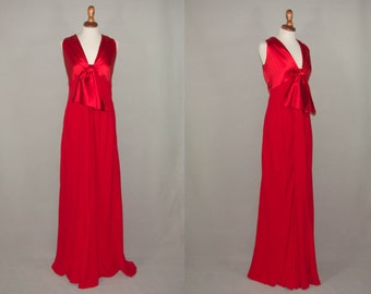 90s Valentino vintage / designer  red carpet dress / silk red maxi long dress / elegant chic / classic 1990s made in italy / free shipping
