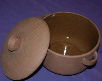 "Handcrafted Pottery With Lid Pot Bowl 6""D x 5.5""H Casserole Serving Dish Cookware"