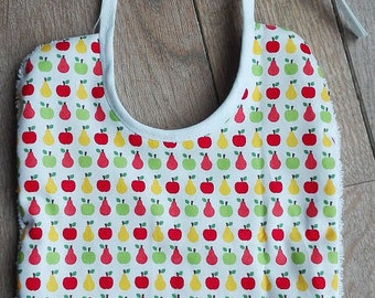 Bib with apples and pears