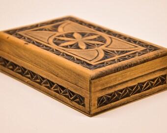 Hand Carved Box, Vintage Wood Box, Wooden Box, Handcarved Box, Wood Box, Keepsake Box, Jewelry Box, Handmade Wood Box, 50s Wood Box