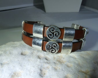 Mens leather bracelet with double straps