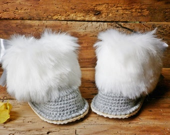 Luxury baby crochet boots, Gucci inspired, fluffy gray boots, Newborn girl gift, Knitted baby clothes, winter booties, boots trapper