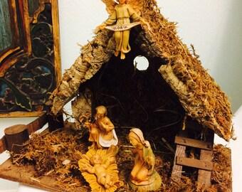 Vintage Nativity, Italy Nativity Moss Manger, Wood Creche, Christmas Nativity Set, Joseph, Mary, Jesus