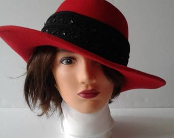 Women's Red Hat, Eric Javits Red Doeskin Felt Wool Hat, Derby Hat, Vintage Red Wool Hat, Victorian Hat