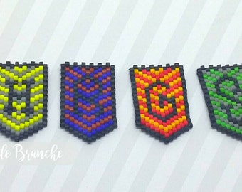 """Brooch """"Harry Potter Crest"""" - 1 pattern to the choice"""