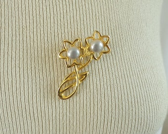 70s flower pin, floral pin, gold metal ivory faux pearls flower brooch, 1970s vintage pin, vintage brooch, costume jewelry, jewellery