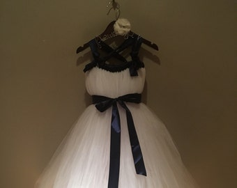 White and navy 6 y tulle dress