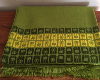 "Mid Century Modern Green Tablecloth Never Used! 52"" x 48"""