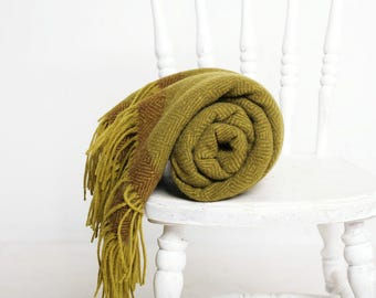 olive green blanket, olive green throw, olive blanket, olive blanket throw, woven wool blanket, diamond twill, wool green blanket