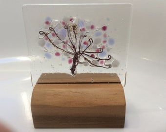 Fused glass umbellifer panel, in mauves and purples