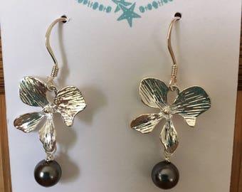 Orchid black pearl earrings