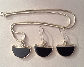 Sterling Silver Onyx Pendulum Pendant Necklace and Pierced Earrings Set