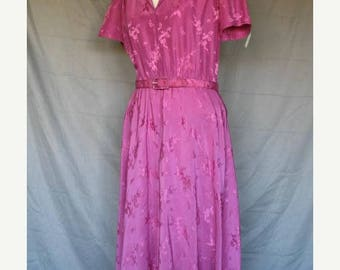 On Sale 1980's Mauve Day Dress in 1950's Style Short Sleeves Asian Floral Motif