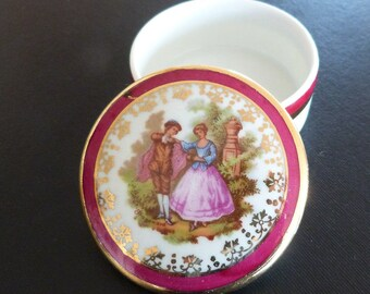 Limoges Fragonard Romantic Trinket Box. Limoges porcelain trinket box.