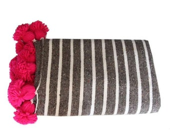 Striped Moroccan cotton blanket - gray and fuchsia