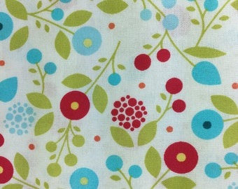 Fabric Remnant - Cotton - Blue and Red Circle Flowers & Green Leaves on a white background