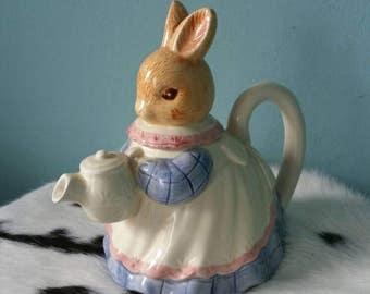 Adorable rabbit bunny teapot! Cute blue and pink teapot