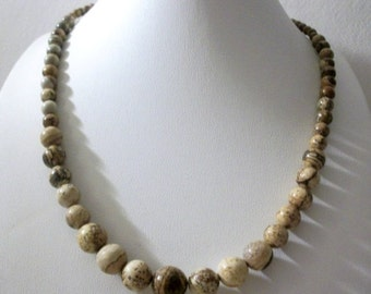 ON SALE Vintage 1950s Picture Jasper Semi Precious Stones Graduated Design Necklace 21417