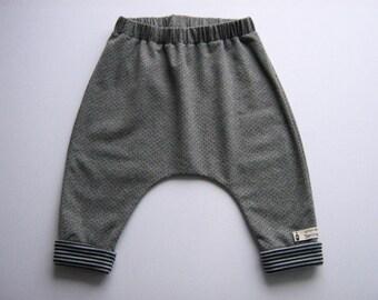 Baby pants harem pants jump in pants unisex Mitwachsen pants toddler jogging drop crotch pants cozy pants Einzelstück
