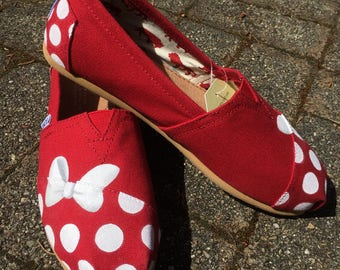 Minnie Mouse TOMS shoes Disney Character