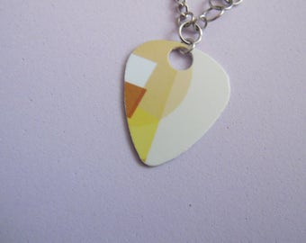 Chain bracelet with recycled guitar pick from Starbucks gift card