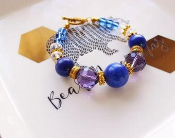Lazurite and glass beaded bracelet/ Blue stone bracelet with gold details