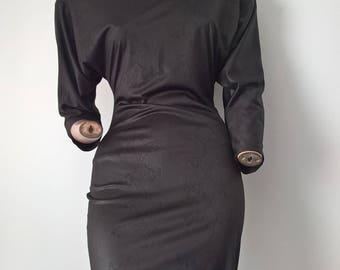Vintage 80sSnake Print Batwing Body Con dress with V back line Size 8-10