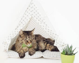 Cat teepee - white with gray dots, grey checkered dog bedding (standard size) Oh yes, FREE shipping!