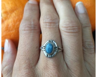 Vintage sterling silver and blue aventurine ring
