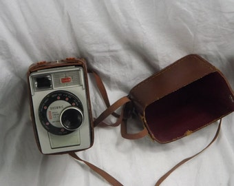 Vintage Kodak Brownie 8 Movie Camera 1/2.7 in Original Box