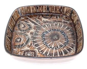 Royal Copenhagen Nils Thorsson BACA ceramic dish no 870/2883