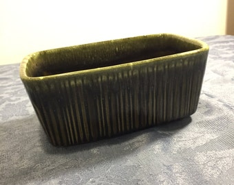 Planter, Hull Pottery, Hull USA F467 Pottery Green Drip Planter/Olive and Seafoam Drip